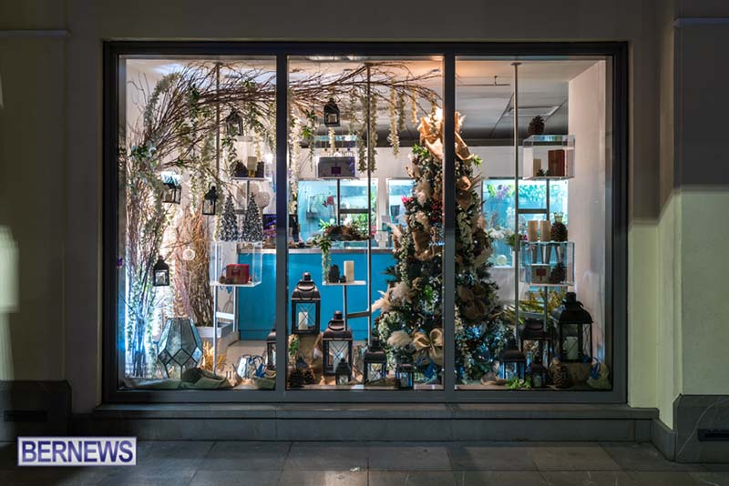 Hamilton Bermuda Christmas Photos Dec 24 2019 (23)