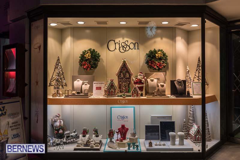 Hamilton Bermuda Christmas Photos Dec 24 2019 (25)