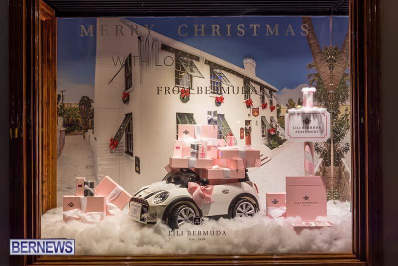 Hamilton Bermuda Christmas Photos Dec 24 2019 (29)