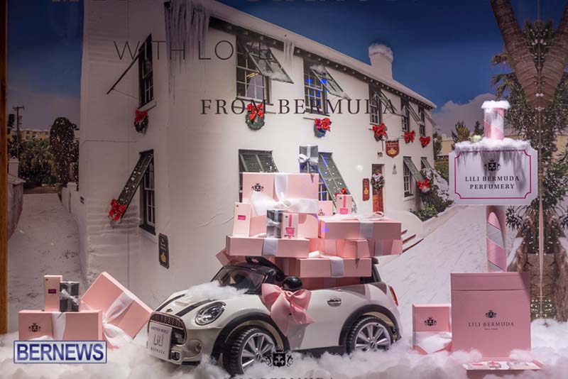 Hamilton Bermuda Christmas Photos Dec 24 2019 (30)