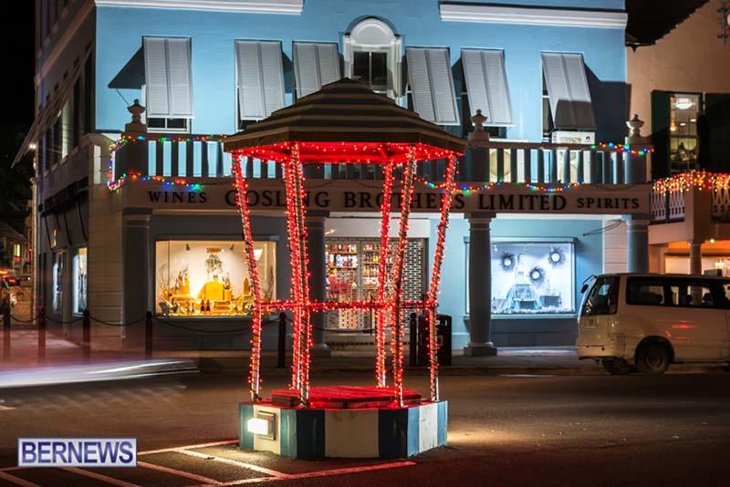 Hamilton Bermuda Christmas Photos Dec 24 2019 (9)