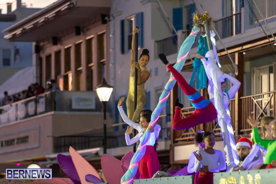 Marketplace-Christmas-Santa-Claus-Parade-Bermuda-December-1-2019-5017