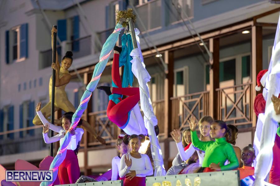 Marketplace-Christmas-Santa-Claus-Parade-Bermuda-December-1-2019-5018