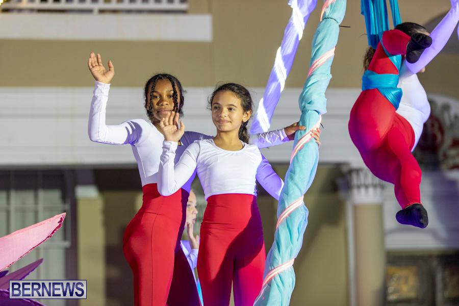 Marketplace-Christmas-Santa-Claus-Parade-Bermuda-December-1-2019-5042