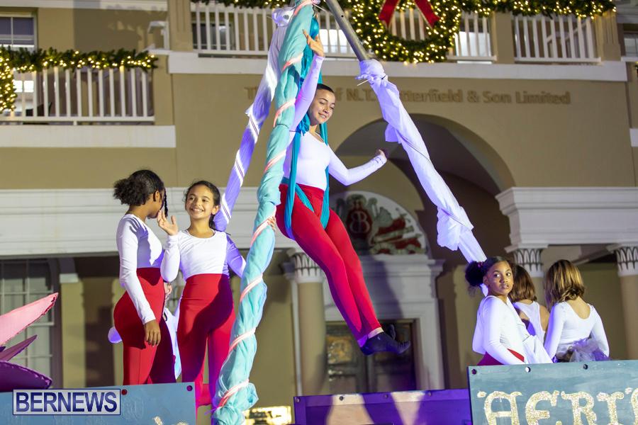 Marketplace-Christmas-Santa-Claus-Parade-Bermuda-December-1-2019-5046