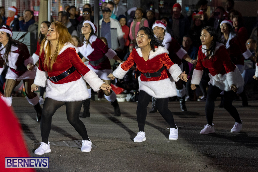 Marketplace-Christmas-Santa-Claus-Parade-Bermuda-December-1-2019-5122