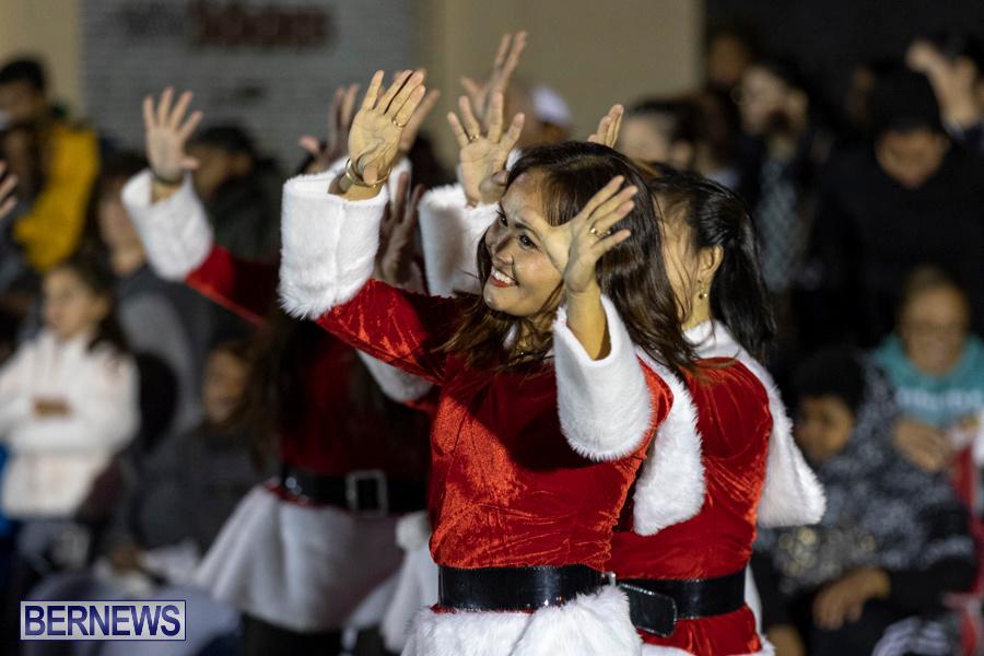 Marketplace-Christmas-Santa-Claus-Parade-Bermuda-December-1-2019-5147