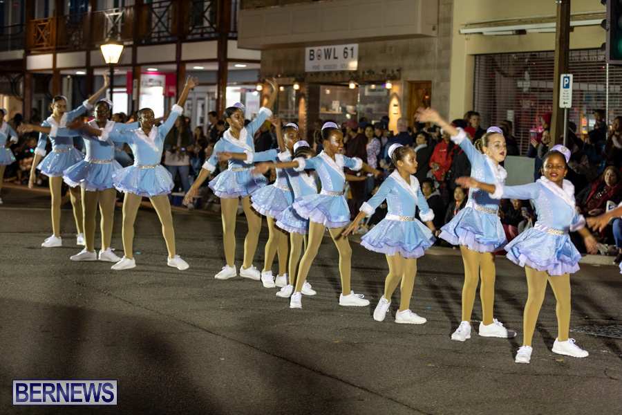 Marketplace-Christmas-Santa-Claus-Parade-Bermuda-December-1-2019-5238