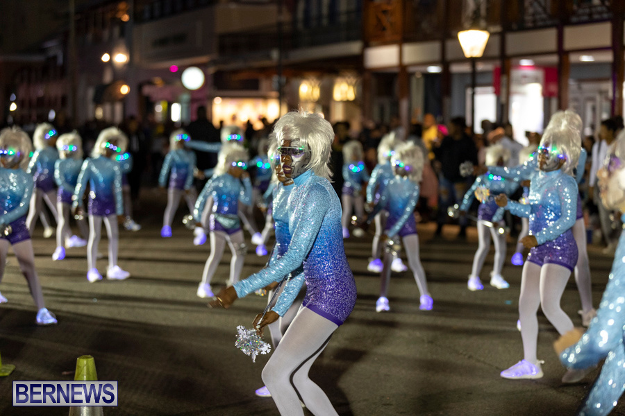 Marketplace-Christmas-Santa-Claus-Parade-Bermuda-December-1-2019-5276