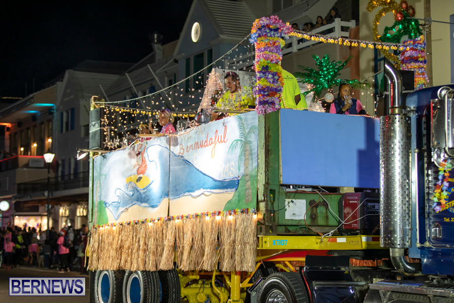 Marketplace-Christmas-Santa-Claus-Parade-Bermuda-December-1-2019-5309