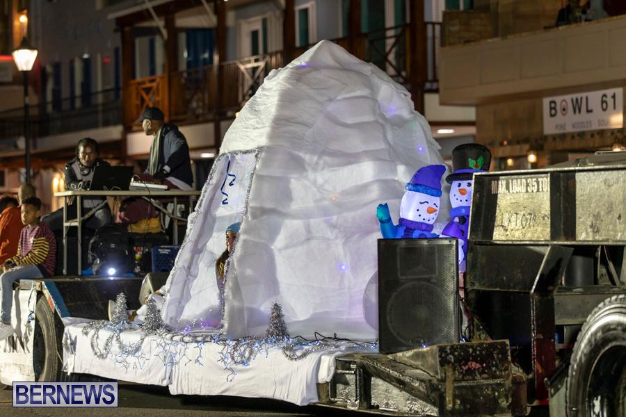 Marketplace-Christmas-Santa-Claus-Parade-Bermuda-December-1-2019-5431