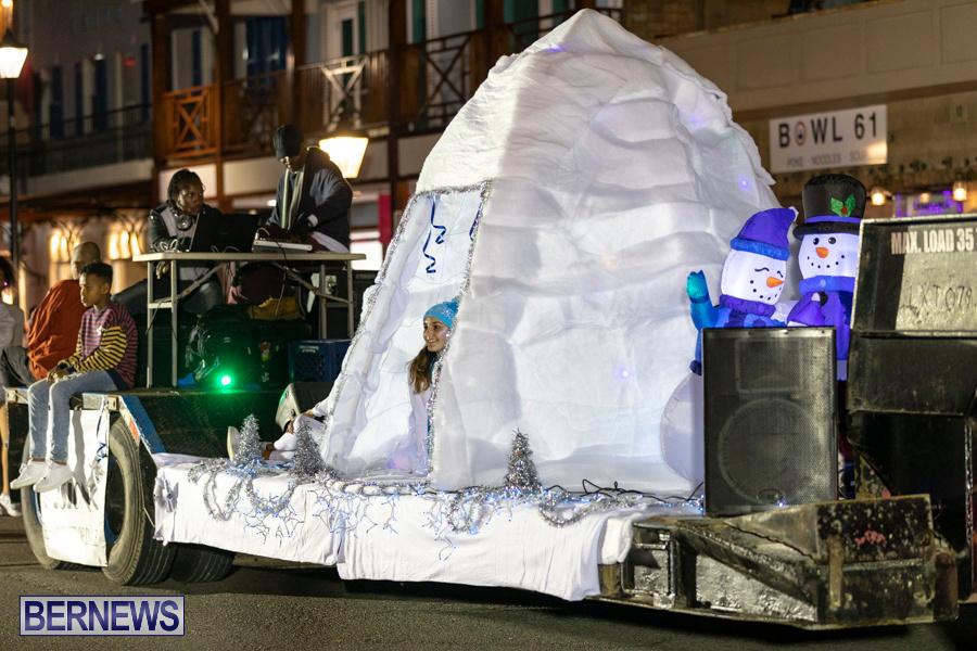Marketplace-Christmas-Santa-Claus-Parade-Bermuda-December-1-2019-5433