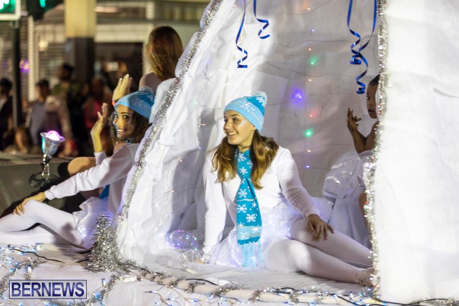 Marketplace-Christmas-Santa-Claus-Parade-Bermuda-December-1-2019-5450