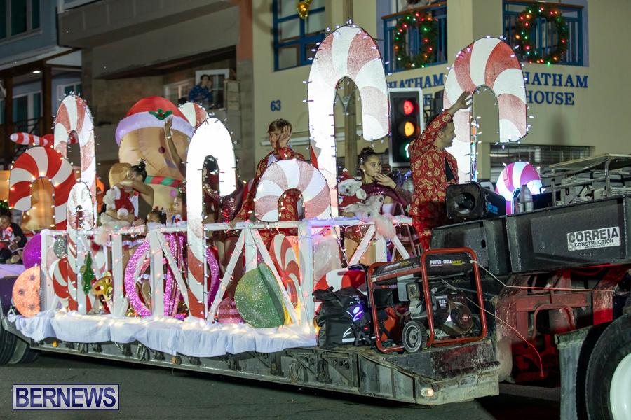 Marketplace-Christmas-Santa-Claus-Parade-Bermuda-December-1-2019-5508