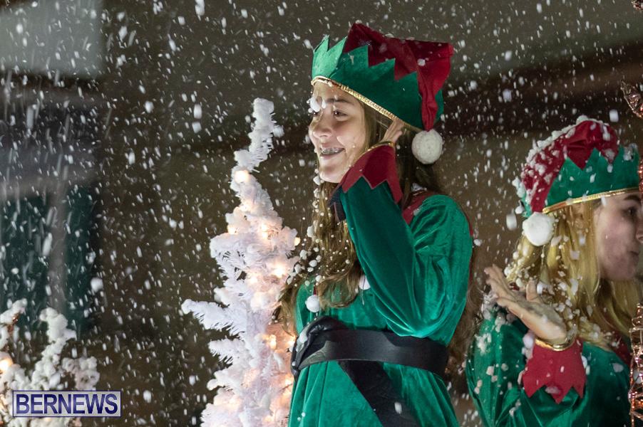 Marketplace-Christmas-Santa-Claus-Parade-Bermuda-December-1-2019-5549