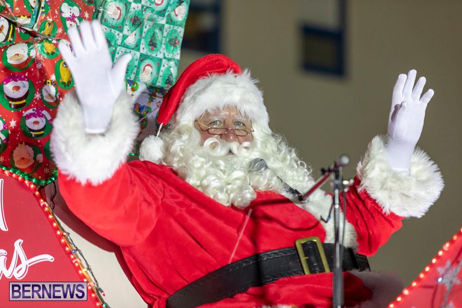 Marketplace-Christmas-Santa-Claus-Parade-Bermuda-December-1-2019-5599
