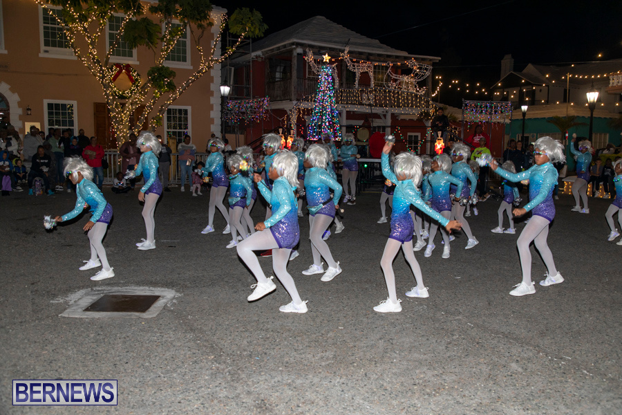 Santa-is-Coming-to-Town-St-Georges-Bermuda-December-14-2019-3890