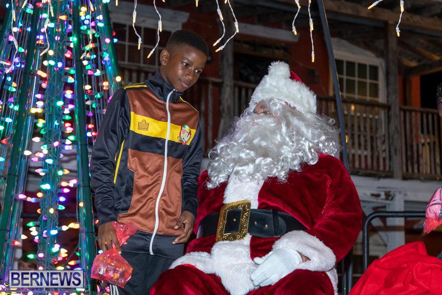Santa-is-Coming-to-Town-St-Georges-Bermuda-December-14-2019-3954