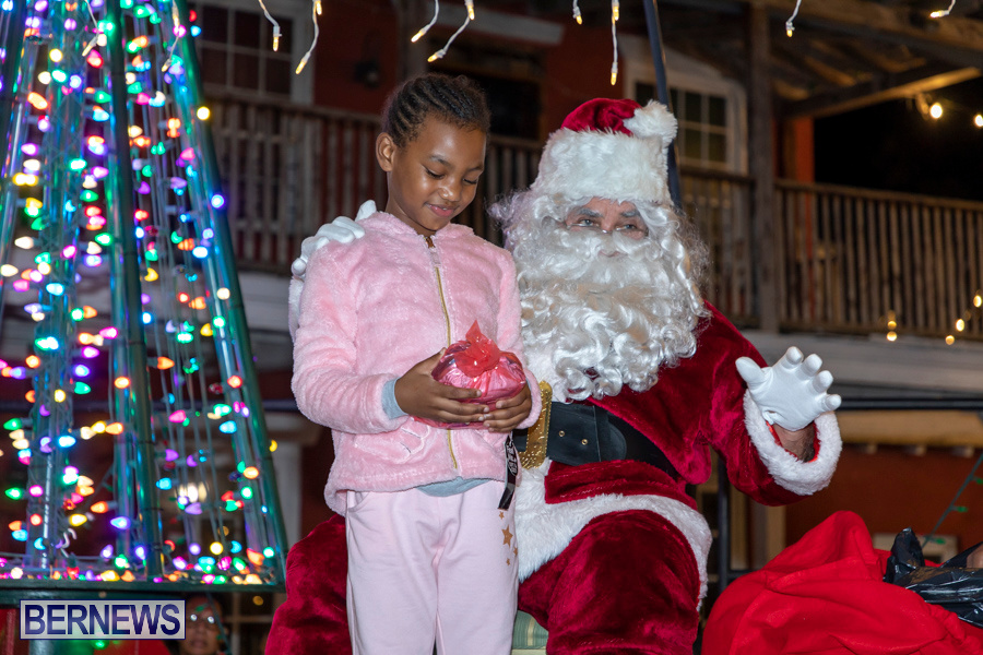 Santa-is-Coming-to-Town-St-Georges-Bermuda-December-14-2019-3969