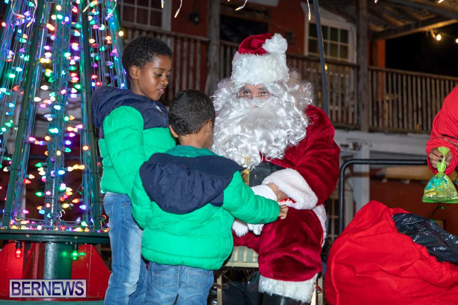 Santa-is-Coming-to-Town-St-Georges-Bermuda-December-14-2019-3970