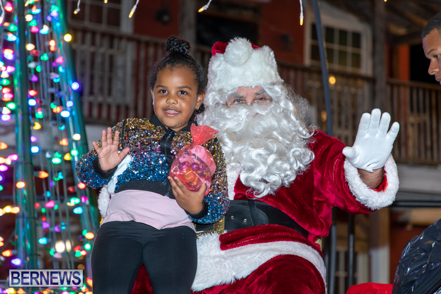 Santa-is-Coming-to-Town-St-Georges-Bermuda-December-14-2019-3982