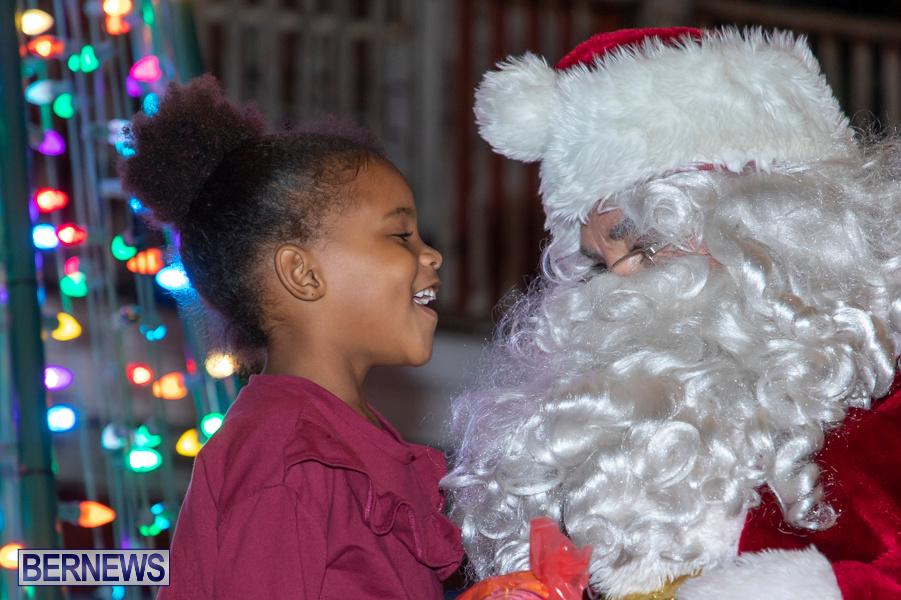 Santa-is-Coming-to-Town-St-Georges-Bermuda-December-14-2019-3990