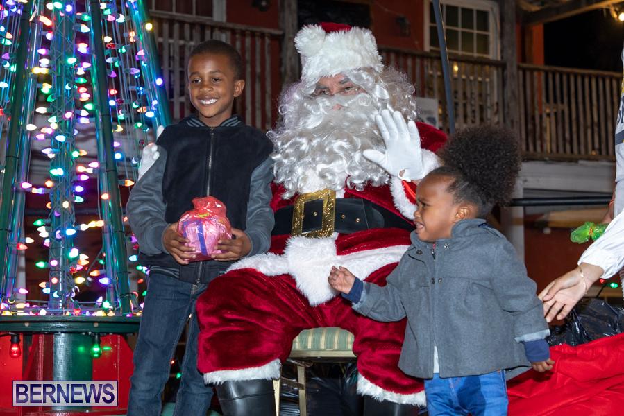 Santa-is-Coming-to-Town-St-Georges-Bermuda-December-14-2019-4001