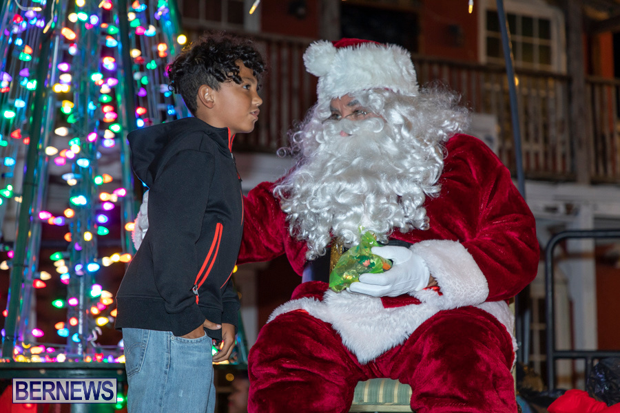 Santa-is-Coming-to-Town-St-Georges-Bermuda-December-14-2019-4002