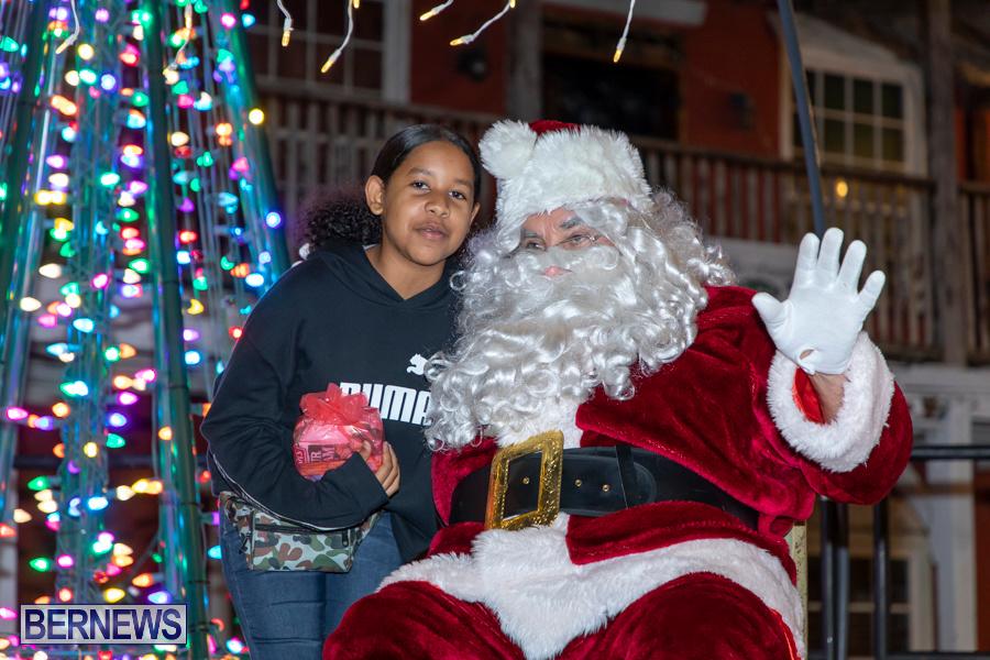 Santa-is-Coming-to-Town-St-Georges-Bermuda-December-14-2019-4006