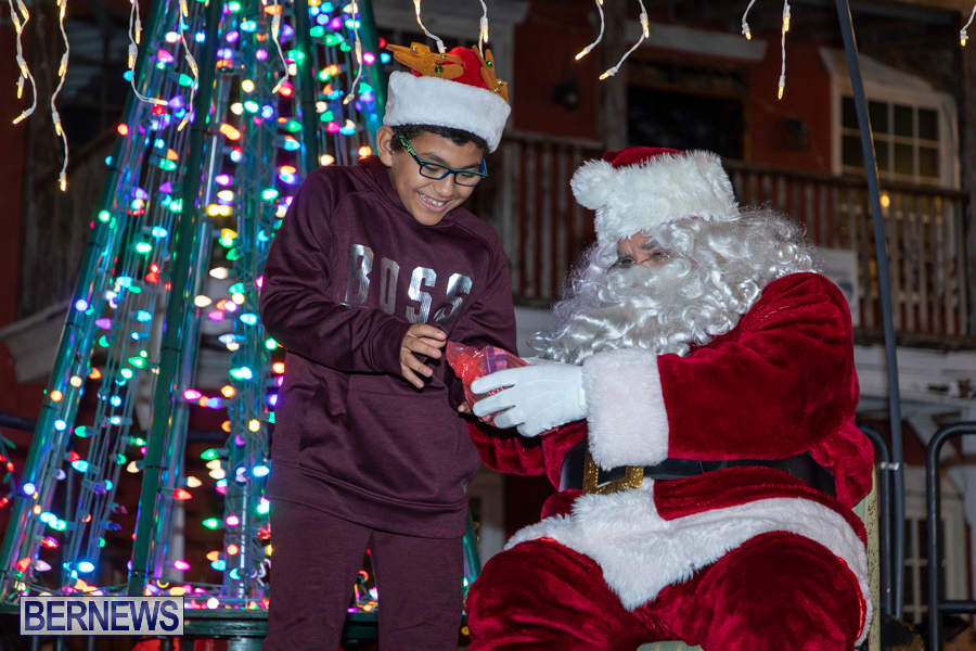 Santa-is-Coming-to-Town-St-Georges-Bermuda-December-14-2019-4009