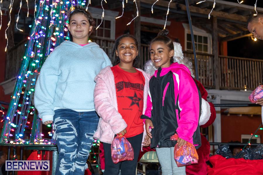 Santa-is-Coming-to-Town-St-Georges-Bermuda-December-14-2019-4023