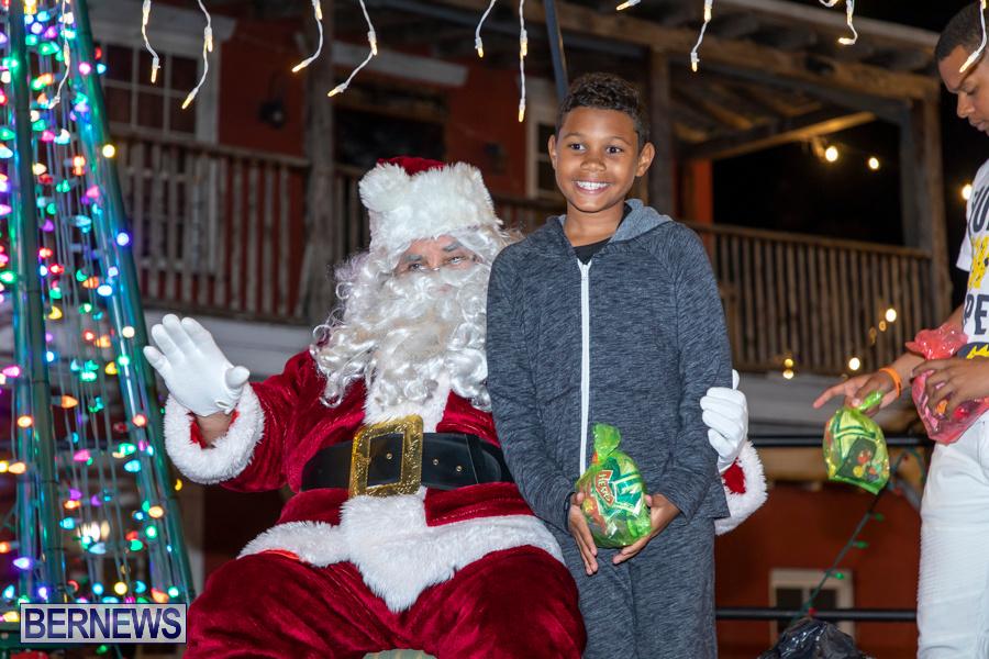 Santa-is-Coming-to-Town-St-Georges-Bermuda-December-14-2019-4027