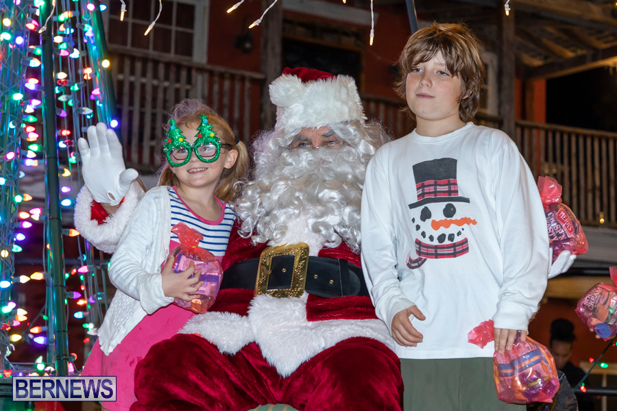Santa-is-Coming-to-Town-St-Georges-Bermuda-December-14-2019-4053