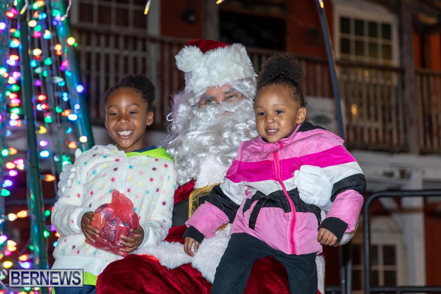 Santa-is-Coming-to-Town-St-Georges-Bermuda-December-14-2019-4084