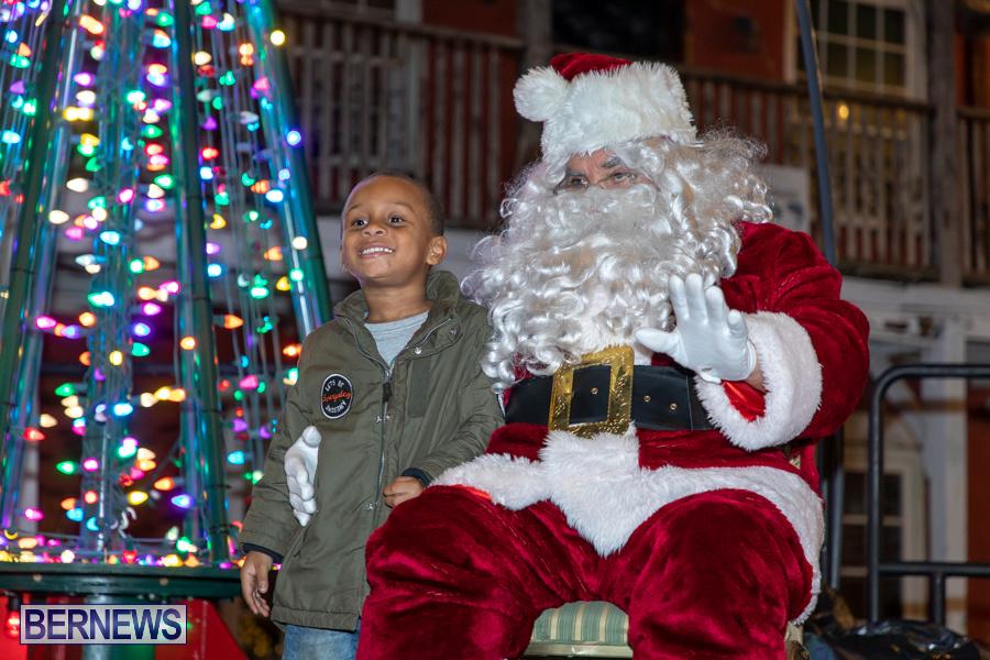 Santa-is-Coming-to-Town-St-Georges-Bermuda-December-14-2019-4089