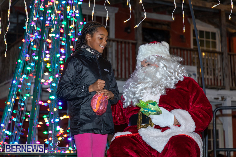 Santa-is-Coming-to-Town-St-Georges-Bermuda-December-14-2019-4166