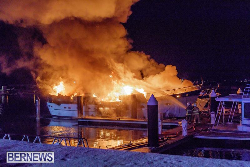 BOAT FIRE IN DOCKYARD BERMUDA JAN 2020 (10)