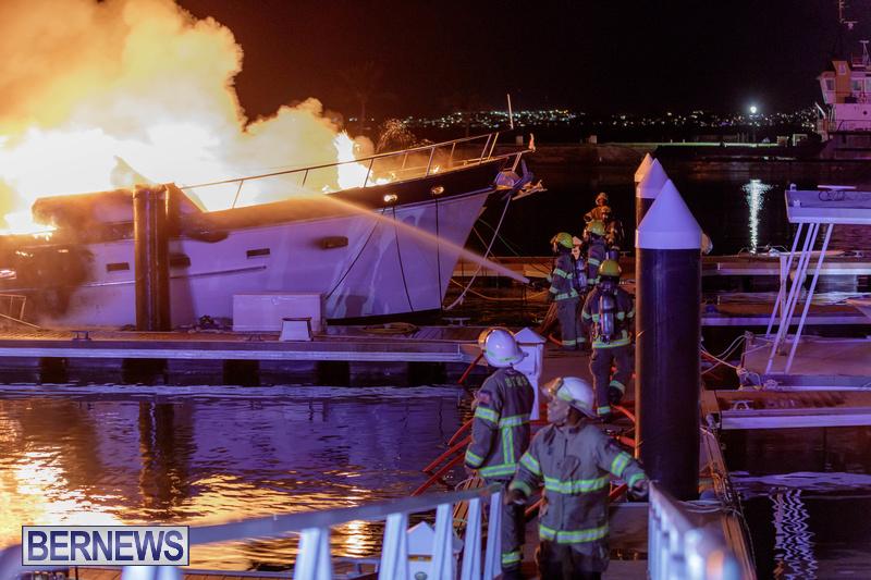 BOAT FIRE IN DOCKYARD BERMUDA JAN 2020 (11)