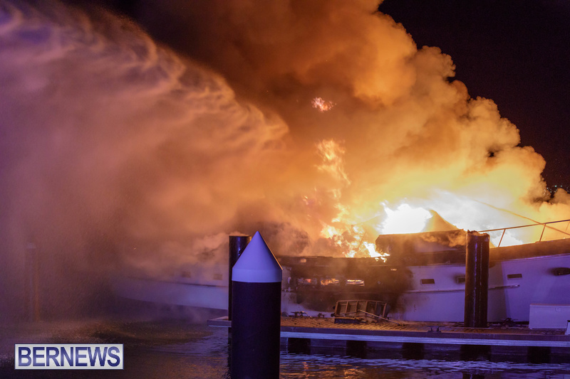 BOAT FIRE IN DOCKYARD BERMUDA JAN 2020 (14)