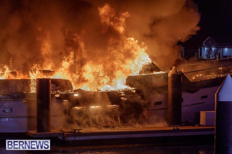 BOAT FIRE IN DOCKYARD BERMUDA JAN 2020 (5)