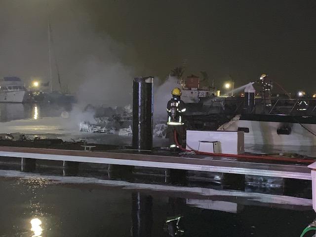 Boat Fire In Dockyard Bermuda Jan 2020 (6)