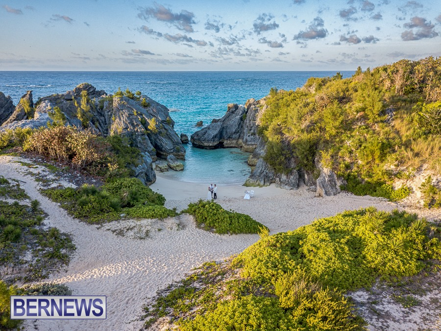 538 - Nothing beats a Bermuda morning beach wedding