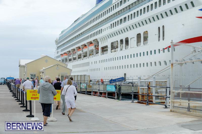 Aurora cruise ship in Bermuda Feb 2020 Dockyard (6)