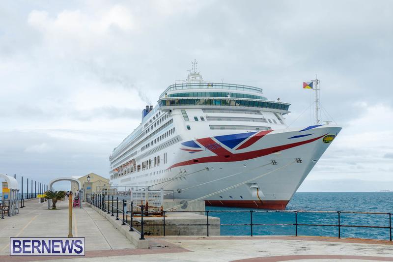 Aurora cruise ship in Bermuda Feb 2020 Dockyard (8)