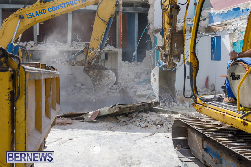 Demolition of Valerie T Scott building Bermuda February 2020 (1)
