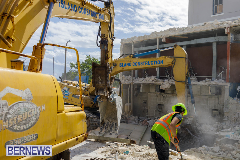 Demolition of Valerie T Scott building Bermuda February 2020 (2)
