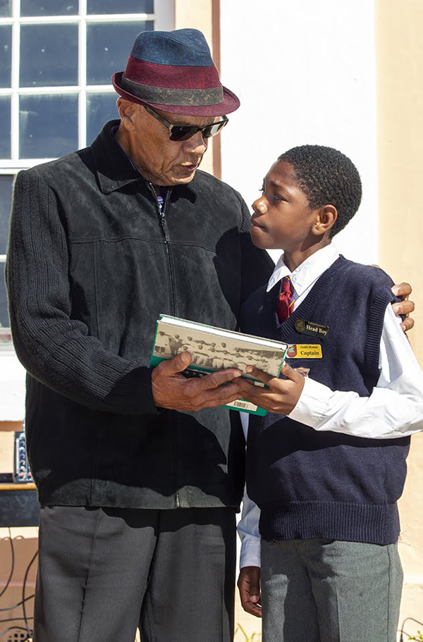 Minister recognizes Bermudian icons at primary school Feb 2020 (5)