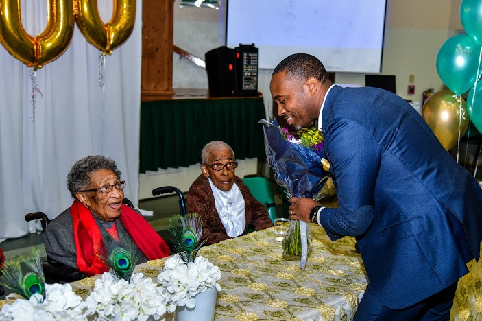 Virginia DeGraff Celebrates 100th Birthday Bermuda March 2020 (4)