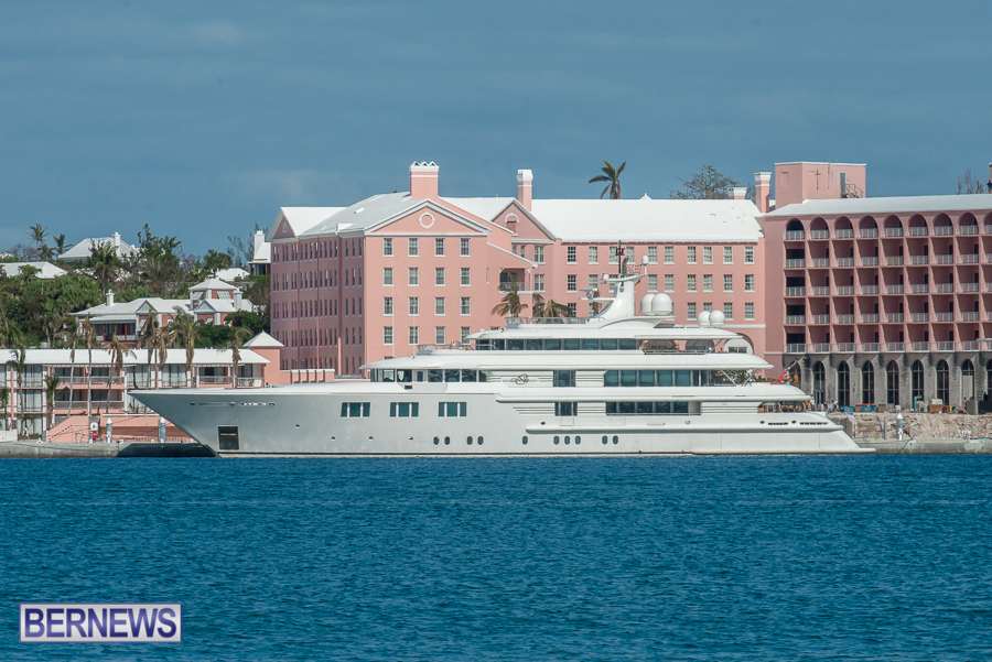 superyachts-in-bermuda-for-slider-10