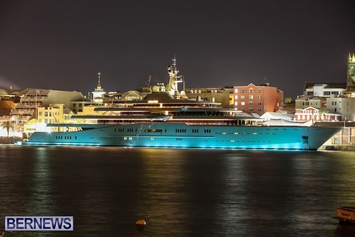 superyachts-in-bermuda-for-slider-2